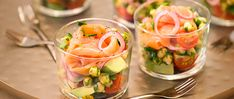 Salade van gerookte Noorse zalm product foto