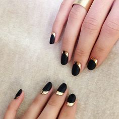 Can never go wrong with black and gold.