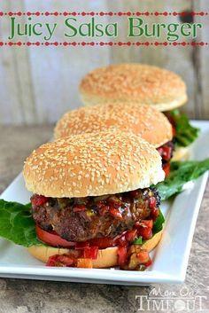 Juicy Salsa Burgers on MyRecipeMagic.com #grilling #hamburgers