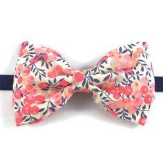 ea350d8a6f9b4 Noeud papillon Liberty Pois de senteur Barbe à papa fleurs rose corail  mariage Noeud Papillon Corail