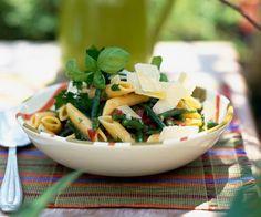 Salade de pennes et haricots verts aux tomates marinées