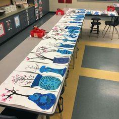 Cherry blossoms with blur vases - KLASSE 2 - Vase ideen Kindergarten Art, Preschool Curriculum, Spring Art Projects, 2nd Grade Art, Ecole Art, Art Lessons Elementary, Art Lesson Plans, Art Classroom, Art Club