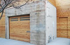 Is there a more versatile hardscaping material than humble concrete? In the garden, you can use concrete blocks (or board formed concrete) to make: a wall, Concrete Garages, Concrete Houses, Concrete Wood, Concrete Design, Concrete Blocks, Garage Shop Plans, Building A Garage, Garage Ideas, Building Ideas