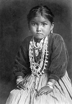 Photograph of a beautiful Native American child taken by Edward Curtis--costume a similar concept., but native jewelry. Native American Children, Native American Beauty, Native American Photos, Native American Tribes, American Indian Art, Native American History, American Indians, Native Child, American Symbols