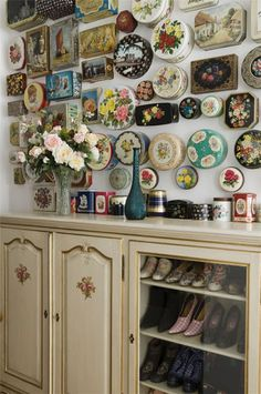 Susanne Bisovsky's...old candy and cookie tins