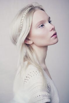 Pale skin and snowy hair perfection.