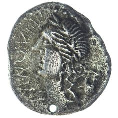 Kelten Denar Silber, Av: Apollokopf nach links, dahinter Lyra, Rv: drei Victorien (?) nach links eilend