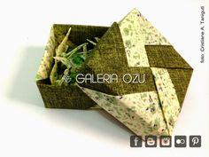origami tsuru mobile with box (by Tomoko Fuse) made with fabric #tsuru #crane #mobile #box #origami #galeriaozu #indaiatuba #saopaulo #fabricfolding #folding #origamiart #origamidecor #fabric