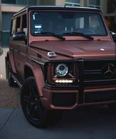 Best cars mercedes benz g wagon Ideas Auto Jeep, Cars Auto, Dream Cars, My Dream Car, Mercedes Auto, Gold Mercedes, Mercedes Truck, Mercedes Maybach, Mercedes 2018
