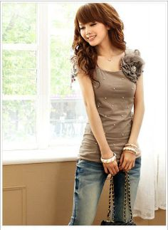 Comfortable Fashion Women\'s Pearls Embellished Applique T-Shirts  Shirts from stylishplus.com
