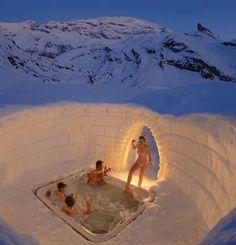 ✮ Hot Tub in a Half Igloo - Alaska