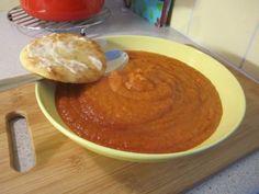 Tomaattinen sosekeitto