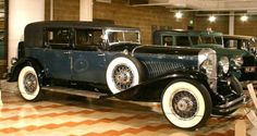 1929 Duesenberg Model J Barker Town Car - Auburn-Cord-Duesenberg Museum