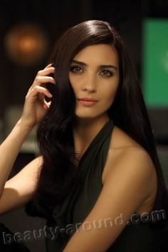 Tuba Buyukustun beautiful Turkish actress photo Shiny Hair, Celebrity Look, Ankara, Arabian Women, Rapunzel Hair, Most Beautiful, Beautiful Women, Actress Photos, Actors