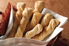 Get out the refrigerated soft breadsticks to make this good and garlicky Healthy Living version with reduced-fat cream cheese. Kraft Foods, Kraft Recipes, Italian Recipes, Vegan Recipes, Snack Recipes, Cooking Recipes, Vegan Food, Bread Recipes, Cooking Tips