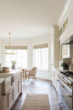 Home Design, Interior Design, Interior Modern, Design Design, One Photo, Home Luxury, Best White Paint, Dining Nook, Cheap Home Decor