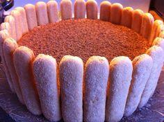 Tiramisu decorated with lady fingers. Elegant Desserts, Lady Fingers, Tiramisu, Deserts, Desert Ideas, Baking, Ethnic Recipes, Food, Bakken