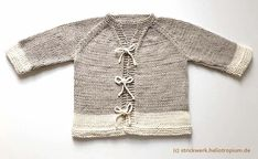 Cardigan for baby pullover: Let the fashion zoom around - angeschlagene strickjacke - Baby Baby Cardigan, Cardigan Bebe, Diy Clothes Kimono, Suzy, Pull Bebe, Hipster Outfits, Cardigan Fashion, Baby Sweaters, Pulls