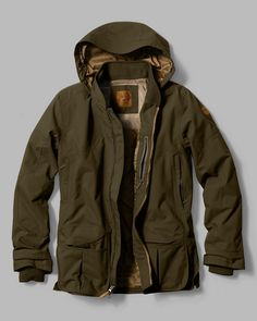 The Waterproof Field Jacket by Eddie Bauer was designed specifically for hunters and outdoorsmen, the outer shell of the jacket is a waterproof/bre Eddie Bauer, Hunting Jackets, Men's Jackets, Revival Clothing, Men's Clothing, Tactical Clothing, Tactical Gear, Moda Casual, Manish