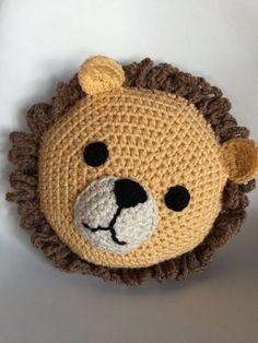 Crochet Lion, Crochet Mittens Free Pattern, Crochet Shoes Pattern, Crochet Baby Beanie, Crochet For Kids, Crochet Animals, Baby Knitting, Crochet Patterns, Irish Crochet