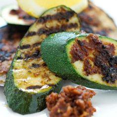 Grillede grøntsager med pesto