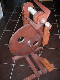 Van alles wat, un peu de tout: Spinnen met het spinnewiel / filer de la laine au rouet Spinning Wheels, Modern, Wheellock, Spider, Trendy Tree