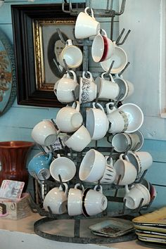 nice way to display coffee cups by coffee pot station