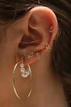 Ear Jewelry, Cute Jewelry, Jewelry Accessories, Stylish Jewelry, Fashion Jewelry, Pretty Ear Piercings, Accesorios Casual, Crystal Earrings, Hoop Earrings