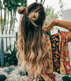 2018 Cute Boho Hairstyles For Women Cute Boho Hairstyles, Looking for a good style this season? Then why not seek a Boho hairstyle? Bohemian Hairstyles, Summer Hairstyles, Straight Hairstyles, Braided Hairstyles, Boho Hairstyles For Long Hair, Dress Hairstyles, Latest Hairstyles, Braided Updo, Festival Hairstyles