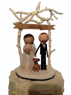 Check out our amazing range of custom wedding cake toppers with personalization options to make them as unique as you are. Simple wedding cake ideas customized. http://thesweettoppers.com/