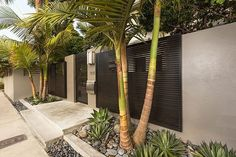 Rain and snow are going to play a huge part in your yard landscaping decisions. For example you will have to plan for your yard landscaping with care. Tropical Landscaping, Modern Landscaping, Front Yard Landscaping, Landscaping Ideas, Tropical Garden, Backyard Ideas, Pergola Design, Fence Design, Garden Design