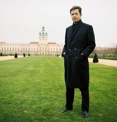 "Nicolas Berggruen The ""homeless billionaire,"" 53, presides over an inter- national think tank and his family's art collection from four-star hotel rooms around the world. Likes: Room service. He can be found on the global billionaire conference circuit. He says he's settling down and has bought two homes."