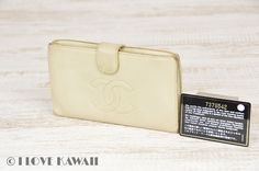 CHANEL Ivory Caviarskin Leather Folding Purse
