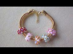 It can be a necklace or bracelet simply b. Handmade Jewelry Designs, Diy Jewelry, Jewelry Making, Seed Bead Bracelets, Love Bracelets, Swarovski Bracelet, Beaded Necklace, Seed Bead Tutorials, Pandora Beads