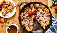 Brunch is something both morning people and night owls can agree on. Carla from HomemadeInTheKitchen.com has come up with a fresh, seasonal and make-ahead brunch recipe perfect for spring: a fruity French toast casserole.
