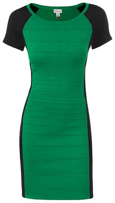 green with racing stripes :) Loki Costume, Loki Cosplay, Modern Outfits, Cute Outfits, Female Loki, Fashion Fall, Fashion Outfits, Work Clothes, Clothes For Women