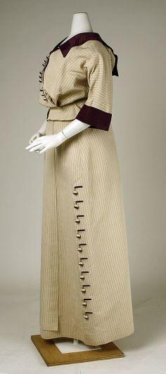 "Walking Suit: 1911, American, silk.    Marking: [label] (a, c) ""Hickson & Co., 436–438 Fifth Avenue, New York"" [label] (b) ""Widoff Robes, N.Y."""