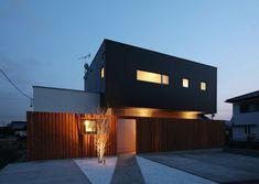 Random House, Facade, Garage Doors, Outdoor Decor, Google, Design, Home Decor, House 2, Decoration Home