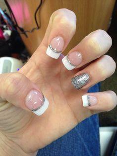 Nail fun - nails, trendy nails en french tip nails. Simple Gel Nails, French Tip Gel Nails, French Pedicure, French Manicures, French Manicure With Glitter, Blue Nails, White Nails, Glitter Nails, Silver Glitter