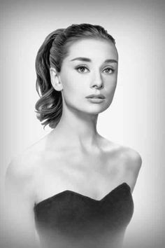 #Audrey love her whole look here. May be it's my imagination but doesn't Natalie Portman look quite a lot like Audrey?