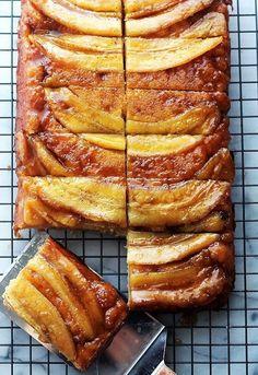 Перевернутый банановый пирог.