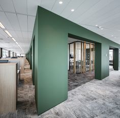 Wildenberg interieurarchitectuur designed the offices for Dutch insurance company Klap Verzekeringsmakelaar, located in Amsterdam, Netherlands. Corporate Office Design, Office Space Design, Modern Office Design, Corporate Interiors, Workspace Design, Office Interior Design, Office Interiors, Corporate Offices, Office Color Schemes