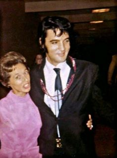 """Elvis Presley: """"One week vacation at the Paradise Hotel in Nassau, The Bahamas from October 22 to Elvis Presley Priscilla, Elvis Presley Images, Kirsty Maccoll, Country Music Association, Paradise Hotel, Top 10 Hits, The Pogues, John Lennon Beatles, Pet Shop Boys"""