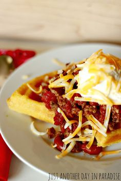 Just Another Day in Paradise: Slow Cooker Saturday: Chili Over Cornbread Waffles Slow Cooker Recipes, Crockpot Recipes, Soup Recipes, Recipies, I Love Food, Good Food, Yummy Food, Yummy Yummy, Healthy Food