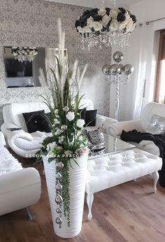 23 Clever DIY Christmas Decoration Ideas By Crafty Panda Blue Home Decor, Diy Home Decor, Rideaux Design, Large Flower Arrangements, Transitional Home Decor, Elegant Living Room, Home And Deco, Vases Decor, Christmas Home