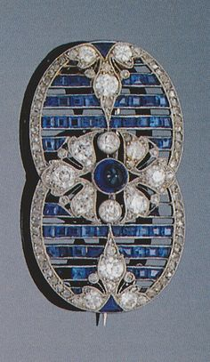 A Belle Epoque sapphire and diamond brooch, circa 1910.  Sotheby's, Art Nouveau Jewellery and Jewels from the Belle Epoque 1890-1914, London, 18 June, 1998. #BelleEpoque #brooch