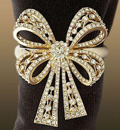 #uxury du Cartier   #jewels #diamonds   just a  gorgeous bracelet