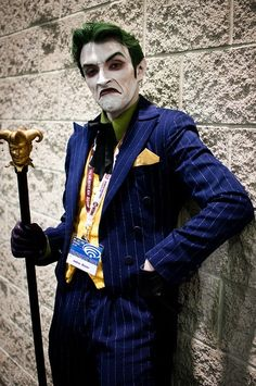 [via] WonderCon 2012 was held at the Anaheim Convention Center in Anaheim, California, this weekend. Some great cosplay photos are starting to surface, so let's take a moment to gawk at people with more time/creativity than us. Batman Comic Art, Gotham Batman, Joker Batman, Batman Robin, Dc Cosplay, Joker Cosplay, Anthony Misiano, Female Villains, Joker Costume