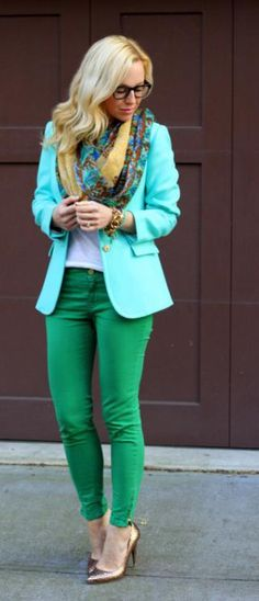 Love this blazer and color combo. via Brooklyn Blonde. Looks Style, Style Me, Spring Summer Fashion, Autumn Fashion, Brooklyn Blonde, Look Fashion, Womens Fashion, Green Jeans, Blue Jeans