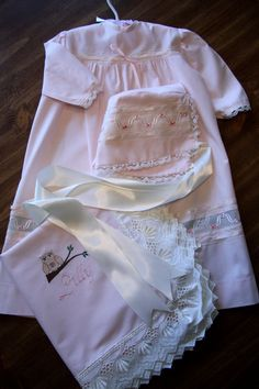 Infant Newborn Pink Owl Day Gown, Receiving Blanket and Bonnet Set
